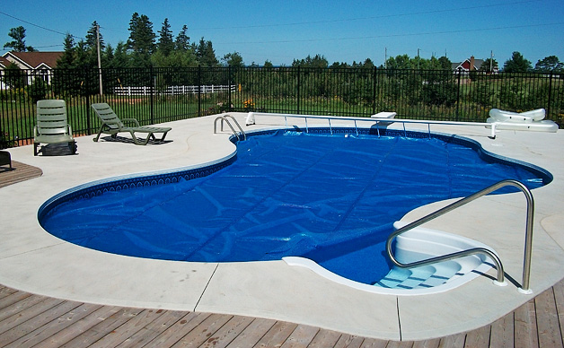 In Ground Swimming Pool Information For Pool Shapes Pool Liners And Installation Of Your Dream